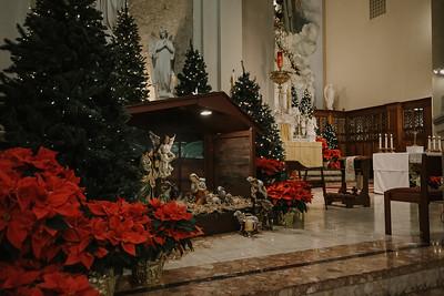 _NIK9204 Christmas St  Peters Steubs LatinMass