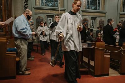 _NIK9240 Christmas St  Peters Steubs LatinMass