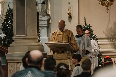 _NIK9425 Christmas St  Peters Steubs LatinMass