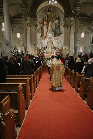 _NIK9274 Christmas St  Peters Steubs LatinMass