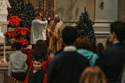 _NIK9405 Christmas St  Peters Steubs LatinMass