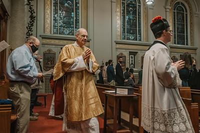 _NIK9258 Christmas St  Peters Steubs LatinMass
