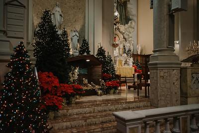 _NIK9198 Christmas St  Peters Steubs LatinMass