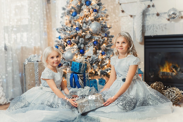 Images from folder Christmas Photoshoot_Marina & Illya