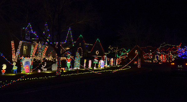 2020 Holiday Lights at Christmas Place in Overland Park.