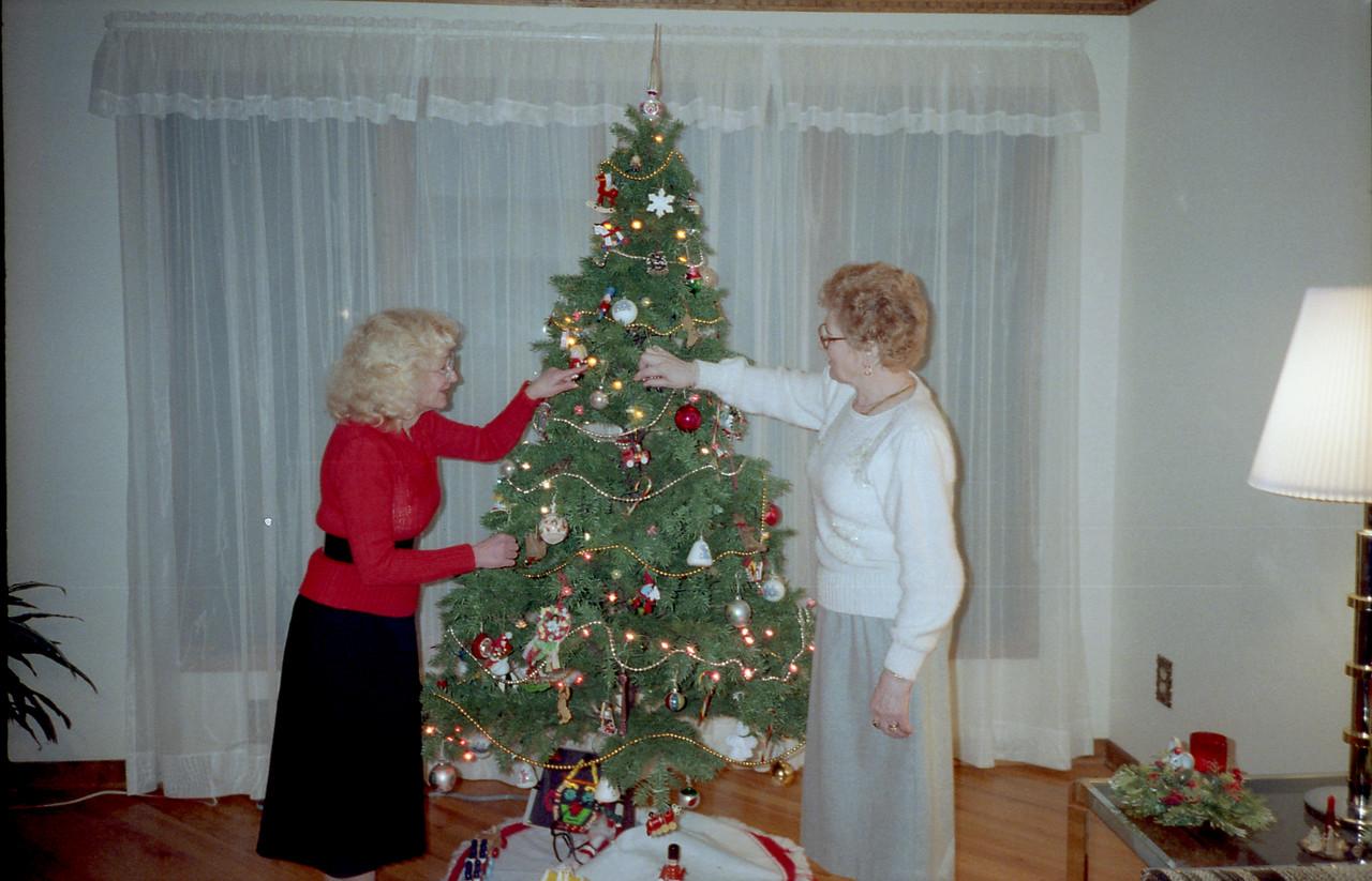 Christmas 1987 (Roll 11)