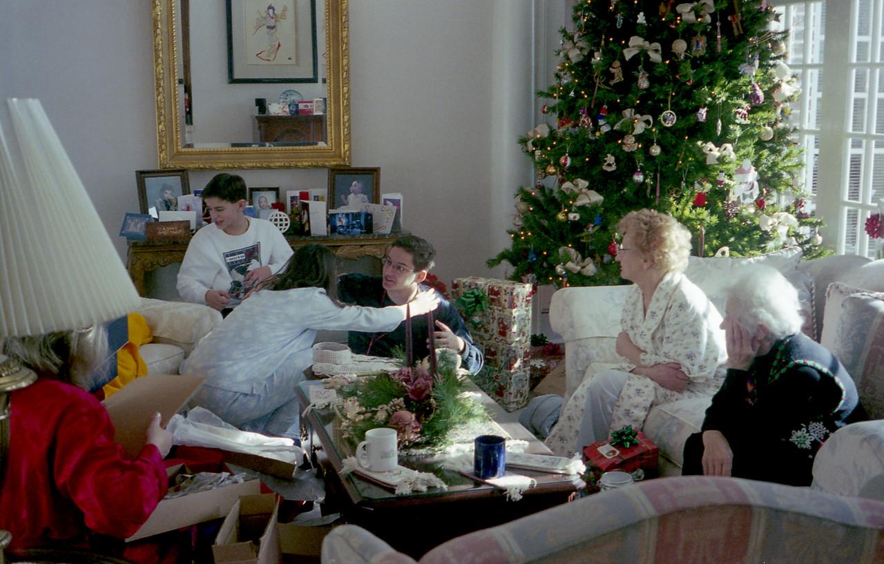 Christmas 1998 (Roll 37)