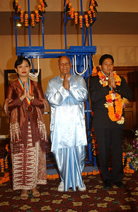 20040117_Prince Dipo Lifted in Bali_32