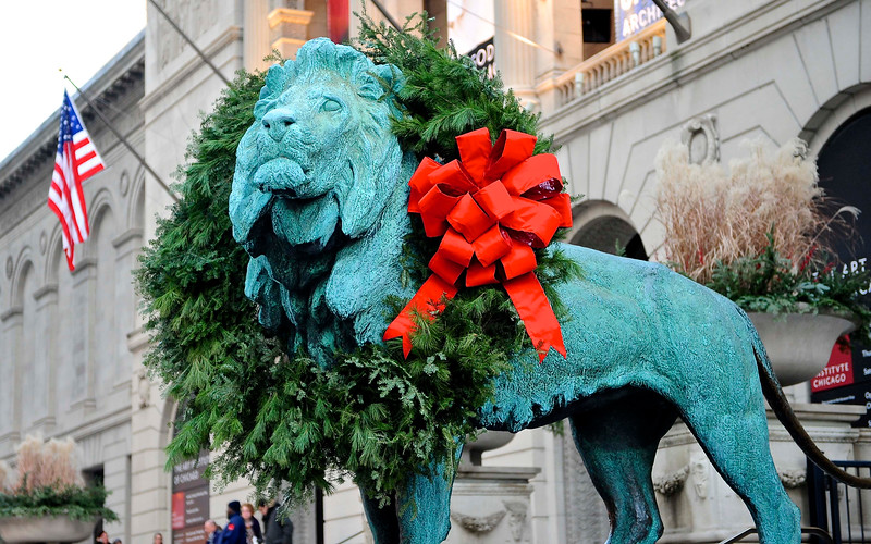 Holiday Lion at The Art Institute - Take 4