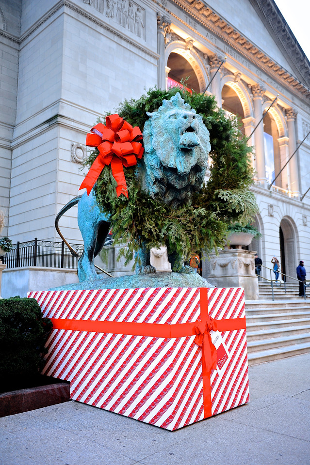 Holiday Lion at The Art Institute - Take 2