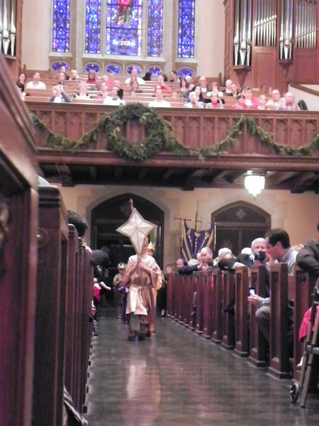 "The ""Star"" leads the kings to the manger."