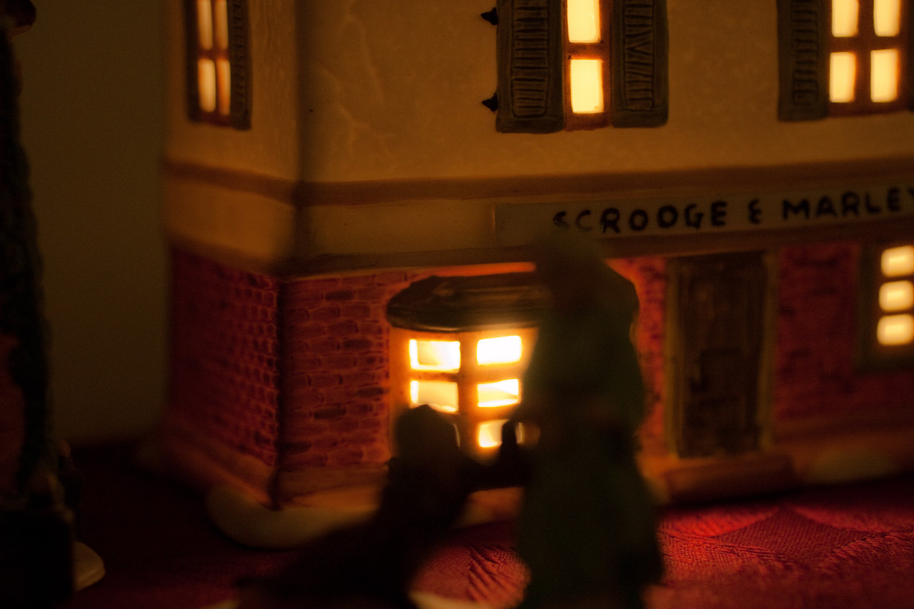 Dickins Christmas Village (4 of 5)