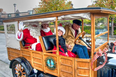 santa-claus-antique-car-2