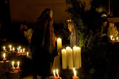 lighting-christmas-candles-1
