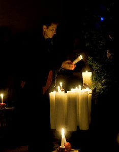 lighting-christmas-candle-1