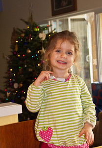 christmas-tree-girl