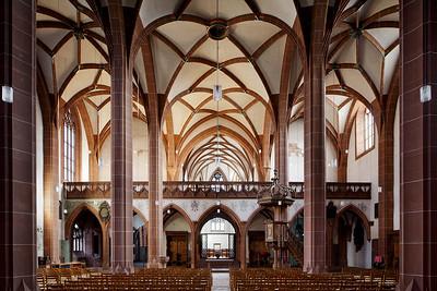 Leonhardskirche, Hallenraum gegen Osten. Foto: Tom Bisig