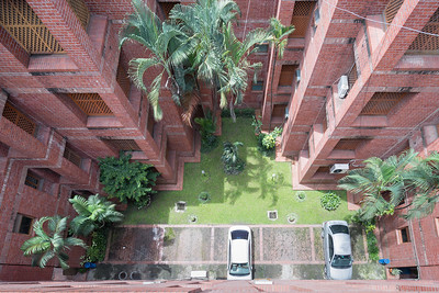 01 KALINDI HOUSING COMPLEX. Architect: Bashirul Haq & Associates | Location: Farmgate, Dhaka | Design: 1988 | Construction: 1989 – 1992