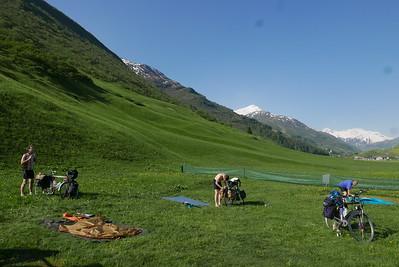 @RobAng 30.05.17, 08:59: Andermatt, 1434 m, Andermatt, Kanton Uri, Schweiz (CHE)