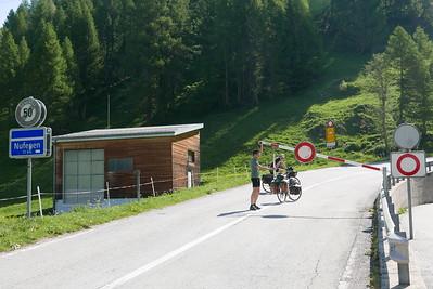 @RobAng 29.05.17, 10:21: Loch, 1362 m, Geschinen, Canton du Valais, Schweiz (CHE)