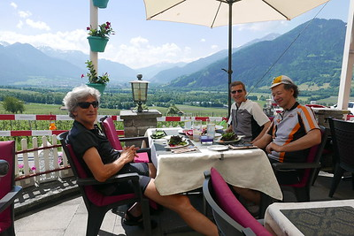 @RobAng 02.06.17, 12:29: Jenins, 625 m, Jenins, Kanton Graubünden, Schweiz (CHE)