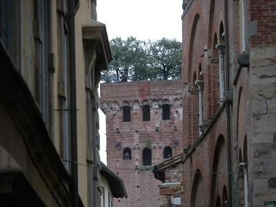 @RobAng 10.09.17, 14:06: Lucca, 27 m, Lucca, Toscana, Italien (ITA)