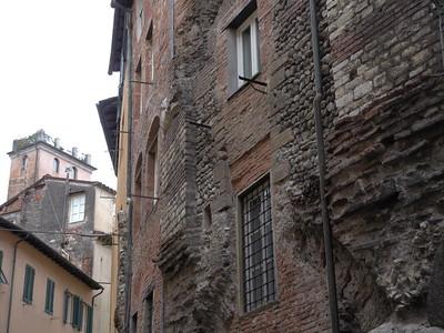 @RobAng 10.09.17, 13:54: Lucca, 25 m, Lucca, Toscana, Italien (ITA)