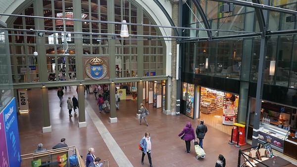 @RobAng 14.09.18, 10:19: Central Station / Hauptbahnhof,  Göteborg - Nordstaden, Västra Götaland, Schweden (SWE), 6 m
