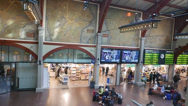 @RobAng 14.09.18, 09:58: Central Station / Hauptbahnhof,  Göteborg - Nordstaden, Västra Götaland, Schweden (SWE), 6 m