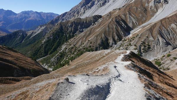 @RobAng 20.10.18, 13:57: P8- Il Fuorn - Val Stabelchod - Margunet - Val da Botsch - P8 Il Fuorn, 2307 m, Nationalpark - Il Fuorn - Lavin, Kanton Graubünden, Schweiz (CHE)
