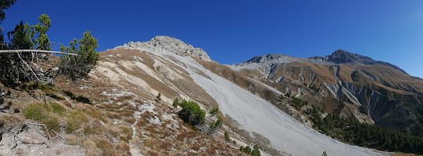 @RobAng 20.10.18, 12:57: P8- Il Fuorn - Val Stabelchod - Margunet - Val da Botsch - P8 Il Fuorn, 2226 m, Nationalpark - Il Fuorn - Lavin, Kanton Graubünden, Schweiz (CHE)