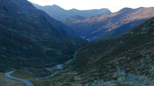 @RobAng 19.10.18, 18:05: Jöriseen ab Flüelapassstrasse, 2243 m, Tschuggen / Davos Dorf, Kanton Graubünden, Schweiz (CHE)