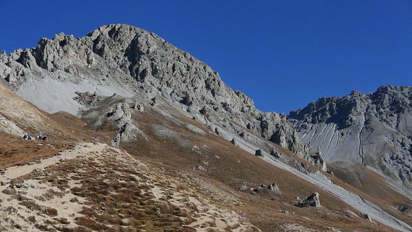 @RobAng 20.10.18, 13:12: P8- Il Fuorn - Val Stabelchod - Margunet - Val da Botsch - P8 Il Fuorn, 2327 m, Nationalpark - Il Fuorn - Lavin, Kanton Graubünden, Schweiz (CHE)