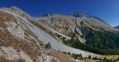 @RobAng 20.10.18, 12:59: P8- Il Fuorn - Val Stabelchod - Margunet - Val da Botsch - P8 Il Fuorn, 2240 m, Nationalpark - Il Fuorn - Lavin, Kanton Graubünden, Schweiz (CHE)