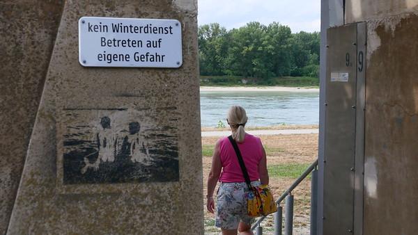 @RobAng 08.07.19, 16:09: Hainburg an der Donau, 134 m, Hainburg an der Donau, Niederösterreich, Österreich (AUT)