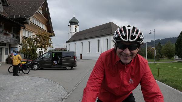 @RobAng 18-Okt.-20 16:09:49: Kirchweg, , Mosnang, Sankt Gallen, Schweiz (CH)