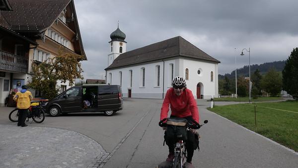 @RobAng 18-Okt.-20 16:09:48: Kirchweg, , Mosnang, Sankt Gallen, Schweiz (CH)