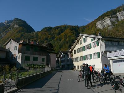 2011/10/18 10:26:30 /  ©RobAng /  Schweiz / Mollis / Näfels