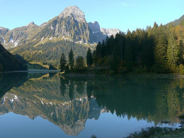 2011/10/18 11:14:11 /  ©RobAng /  Schweiz / Näfels / Obersee (Längeneggpass Nordseite)