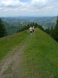 PFINGST-SPAZIERGANG AUFS SCHNEBELHORN: Orüti bei Steg - Tierhag - Schnebelhorn - Orüti. © RobAng 2011. Burenboden, Dreien, Kanton St. Gallen, Schweiz, 1248 mm