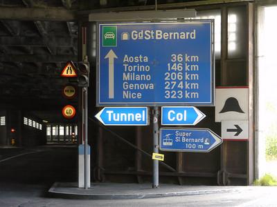 © RobAng 2010 -- Gr. St. Bernard, Valais, Switzerland - 1883.79 m