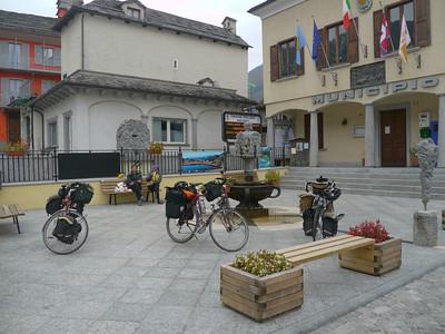 """2011/10/22 13:44:53 /  ©RobAng /  Italien / Piemonte  / Malesco / 765 m 8TUNG VIDEO. Zum Abspielen """"Play"""" Symbol antippen!"""