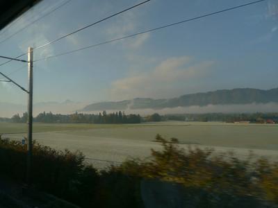 """2011/10/22 09:17:01 /  ©RobAng / Schweiz-Mittelland 8TUNG VIDEO. Zum Abspielen """"Play"""" Symbol antippen!"""