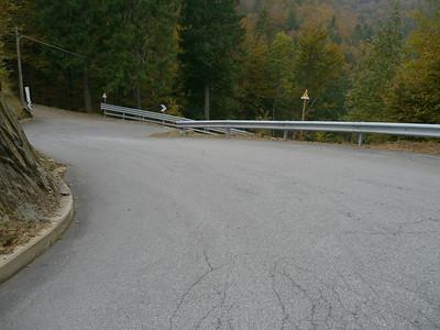 """2011/10/22 14:20:24 /  ©RobAng /  Italien / Piemonte  / Crèves / 975 m 8TUNG VIDEO. Zum Abspielen """"Play"""" Symbol antippen!"""