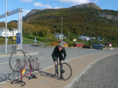 Velotour Lofoten-Vesterålen-Narvik / @RobAng 2012 / Rollnes, Tovik, Troms, NOR, Norwegen, 36 m ü/M, 13/09/2012 12:33:39