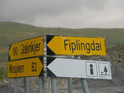 @RobAng 2012 / Kappfjellia, , Nordland, NOR, Norwegen, 325.44 m ü/M, 05/09/2012 19:34:38 ..to whom it my concern - der sich da innert der nächsten 5 Tage wiedererkennt, hat ein Café au zu gut ;=)