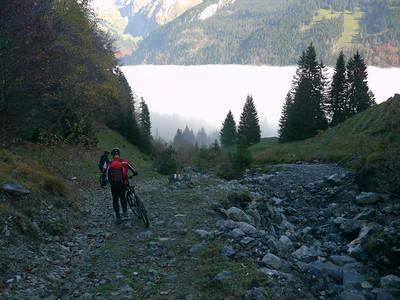 @RobAng 2012 / Abfahrt von der Fläschlihöhe zum Wäggitalersee, zwischen Sihlsee & Wäggitalersee, Kanton Schwyz, CH, Schweiz/Switzerland,  25.10.2012 15:08:46