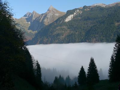 @RobAng 2012 / Abfahrt von der Fläschlihöhe zum Wäggitalersee, zwischen Sihlsee & Wäggitalersee, Kanton Schwyz, CH, Schweiz/Switzerland,  25.10.2012 15:09:25