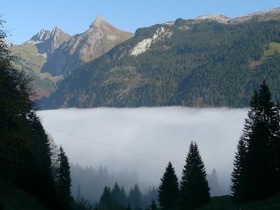 @RobAng 2012 / Abfahrt von der Fläschlihöhe zum Wäggitalersee, zwischen Sihlsee & Wäggitalersee, Kanton Schwyz, CH, Schweiz/Switzerland,  25.10.2012 15:09:27