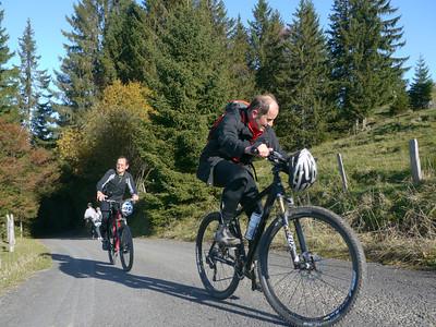 @RobAng 2012 / Rinderweidhorn (1317m), nördlich oberhalb  Sattelegg, Kanton Schwyz, CH, Schweiz/Switzerland,  25.10.2012 11:09:49